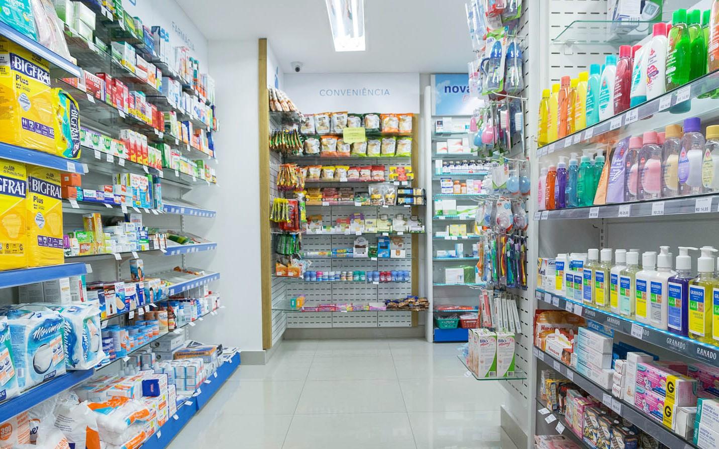 Opção para farmácia reduzir horários ou paralisar temporariamente
