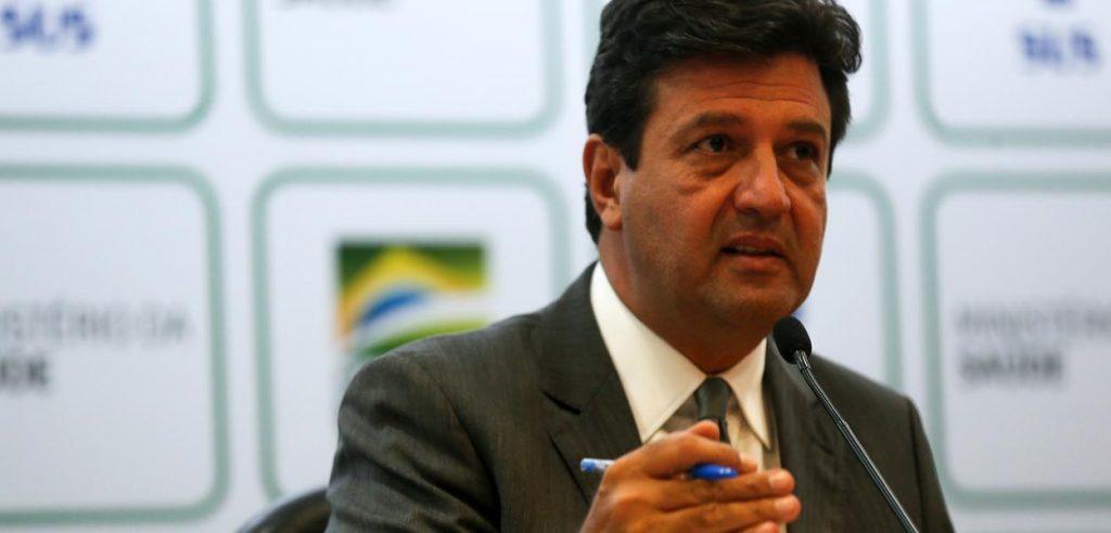 Ministro da Saúde anuncia parceria com farmácias contra coronavírus