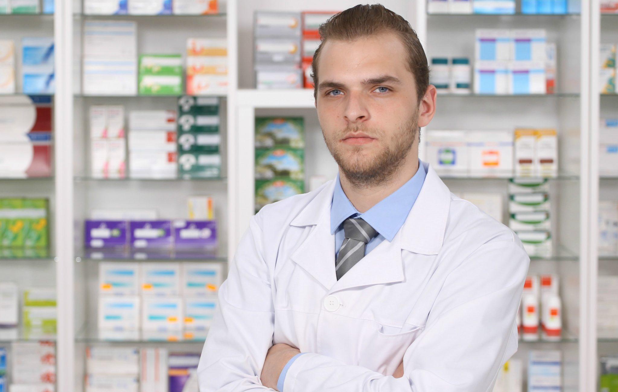 Farmacêutico em meio ao caos do coronavírus