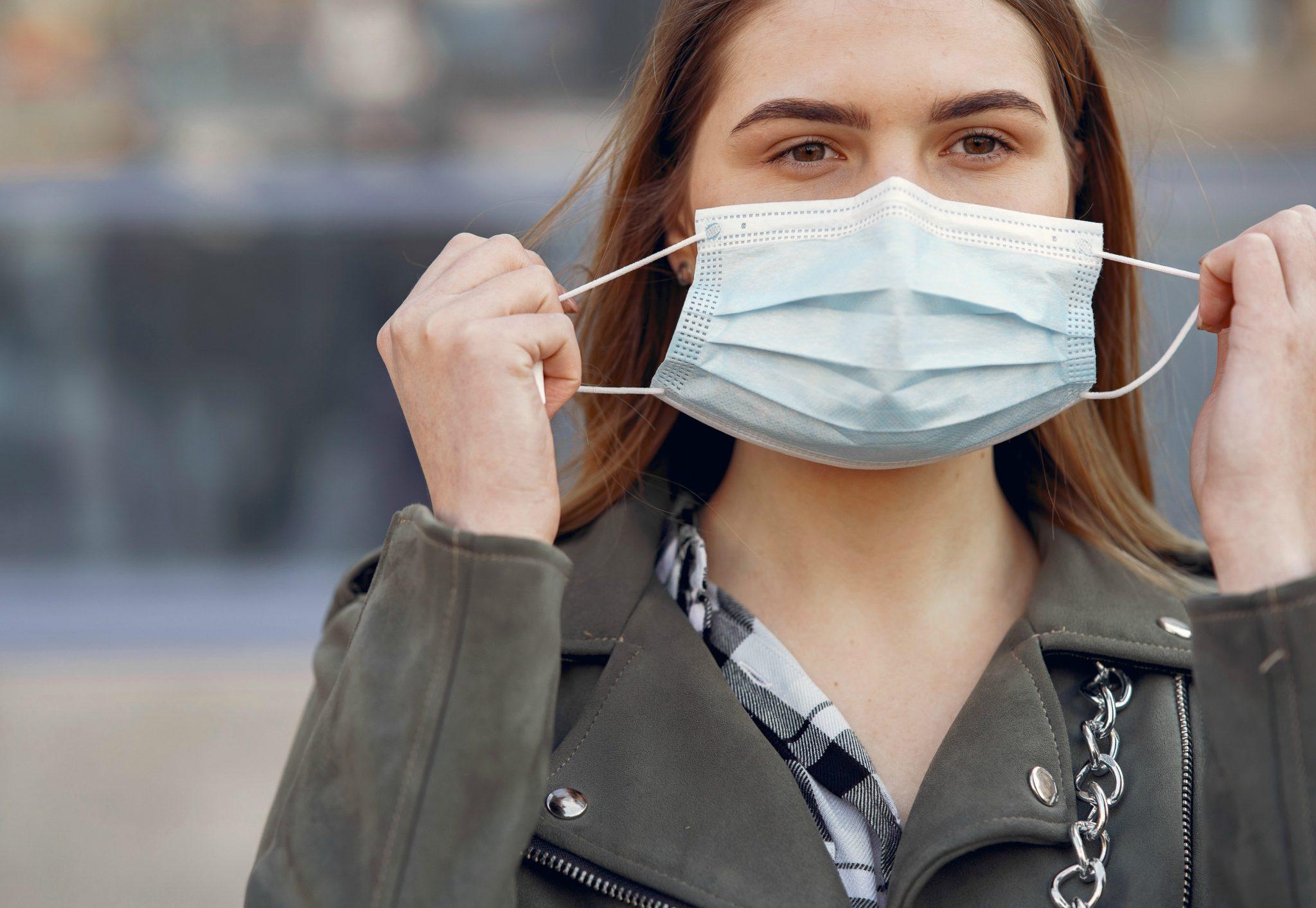 Uso de máscaras faciais pode causar acnes