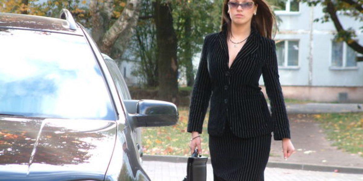 the-businesswoman-1563673